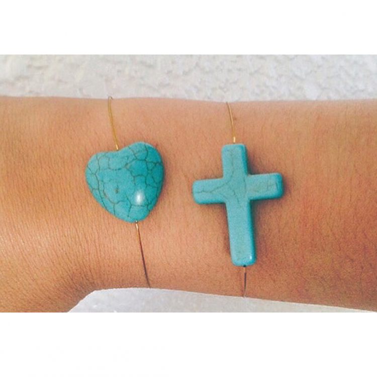 Turquoise Heart on Wire